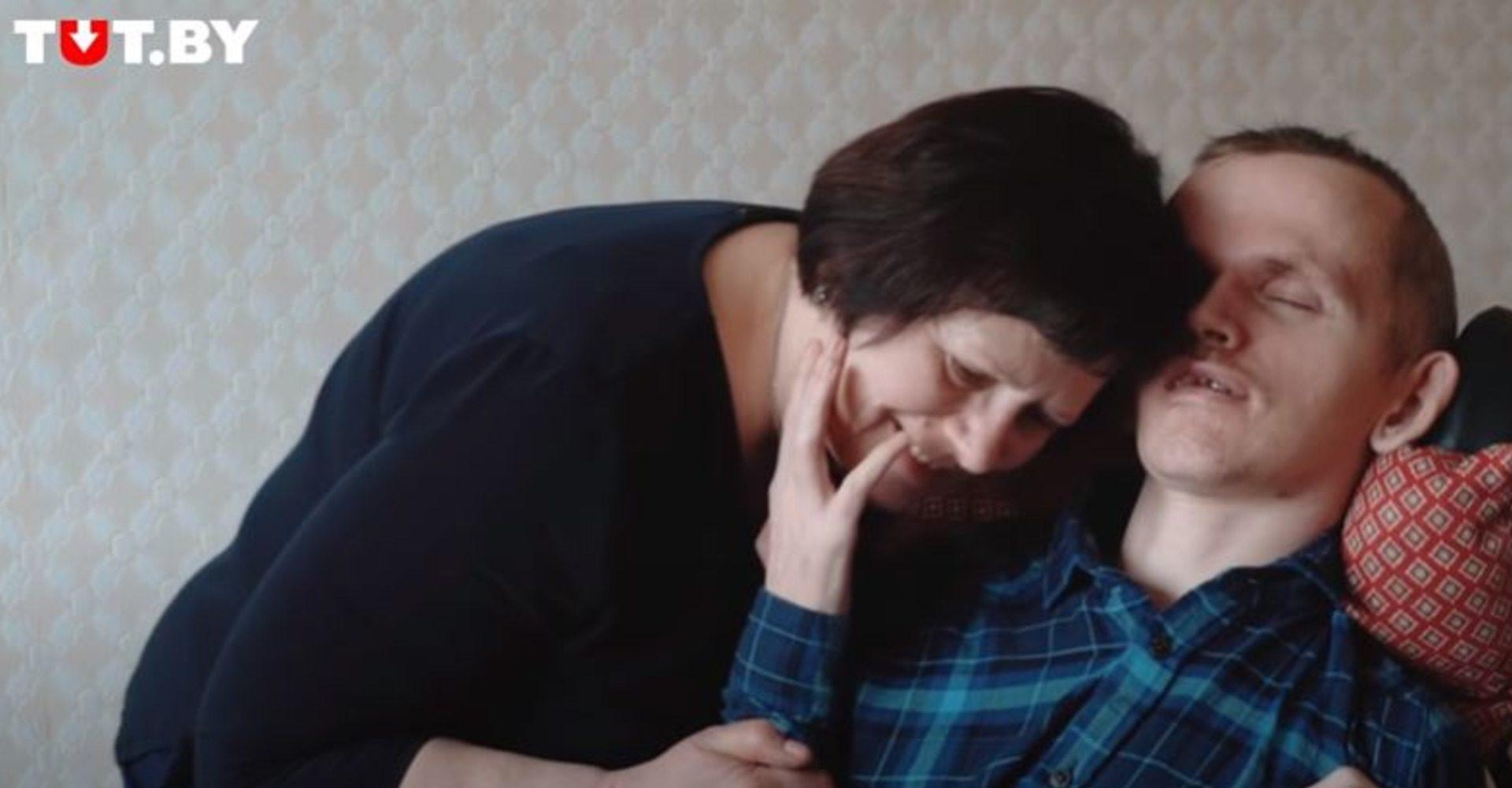 «Полжизни Витя лежит». История матери